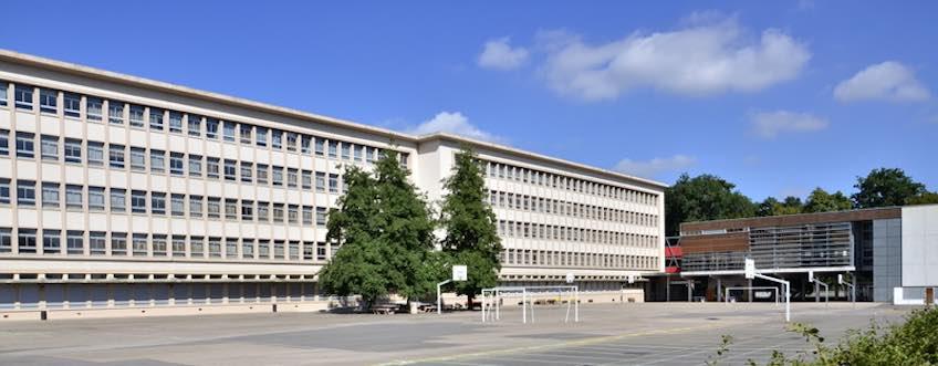 Cour du Lycée Frédéric Chopin de Nancy
